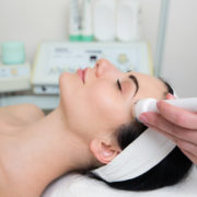Gesichtsbehandlung Mikrodermabrasion Ultraschall Hamburg